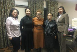 В Туву прибыла делегация из Федерального института национальных школ Республики Саха (Якутия)