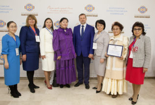 В Москве обсудили актуальные вопросы преподавания  родных языков и литератур народов России